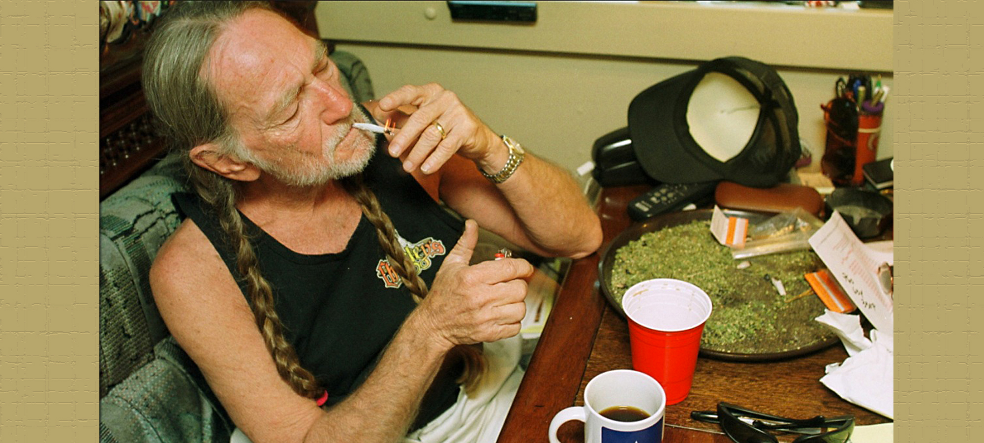 willie-nelson-weed