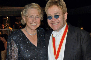 elton-and-mom