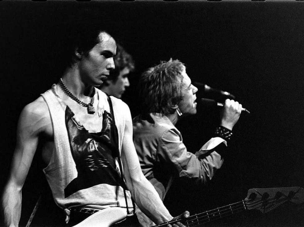 Sid Vicous and Johnny Rotten